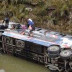 Pasco: Al menos 10 muertos deja caída de bus al abismo