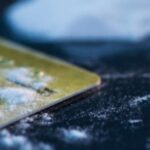 Mujer pide a policía francesa que pruebe su cocaína y ver si es de buena calidad