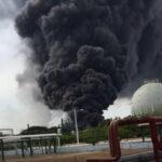 Mexico: Cientos de trabajadores evacuados por explosión en complejo petrolero (VIDEO)