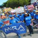 EEUU: A ritmo de rock y mariachis miles apoyan plan migratorio de Obama