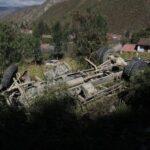Cusco: Cinco muertos y ocho heridos tras caer camión a abismo