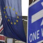 """Reino Unido: Partidarios y detractores del """"brexit"""" empatados"""