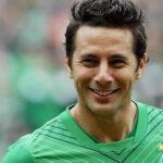 Claudio Pizarro renueva con Werder Bremen una nueva temporada