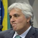 Plenario destituye a senador que implicó a Rousseff en caso Petrobras