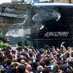 Premier League: Apedrean autobús del Manchester United a su llegada a estadio