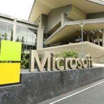 """Microsoft reestructura su negocio de """"smartphones"""" con 1,850 despidos"""