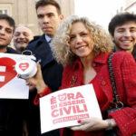 Italia aprueba la ley que regula unión civil entre homosexuales