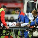 Jugador camerunés muere tras desplomarse en partido en Rumania (VIDEO)