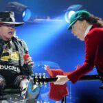 Axl Rose es aclamado en concierto de AC/DC en inicio de gira (VIDEO)