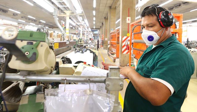 Con APTiTUS, encuentra las mejores Ofertas de Trabajo en el Perú. Sube tu CV y postula a los puestos de trabajo de acuerdo a tu Perfil.