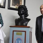 Universidad Bausate develó busto en honor a Melissa Alfaro