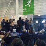 Francia: Cuatro mujeres se desnudan en pleno congreso musulmán