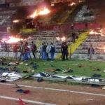 Turquía: Hinchas queman estadio por descenso de su equipo