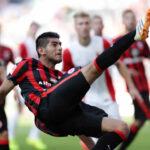 Bundesliga: Carlos Zambrano en duda para enfrentar al Borrusia Dortmund