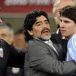 """Lionel Messi: Mauricio Macri y Maradona piden a la """"Pulga"""" que no se vaya"""