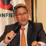 Confiep anuncia respaldo a línea económica de Peruanos por el Kambio