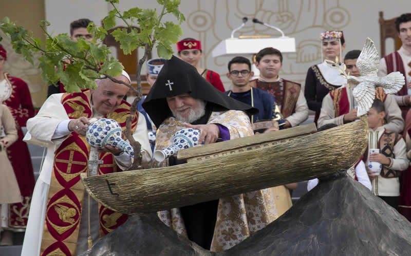 Papa-Armenia-2