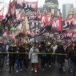 Argentina: Sindicatos marchan contra el veto a la ley antidespidos