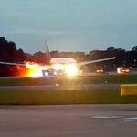 Rescatan a 241 personas tras incendio de avión en Singapur (VIDEOS)
