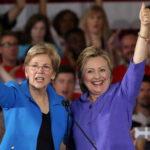 Hillary Clinton en campaña con la senadora Elizabeth Warren