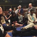 EEUU: Legisladores irrumpen en Congreso exigiendo control de armas