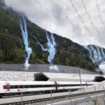 Inauguran túnel ferroviario más largo y profundo del mundo