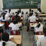 Cerca de 700 mil escolares afectados por la emergencia climática volvieron a clases