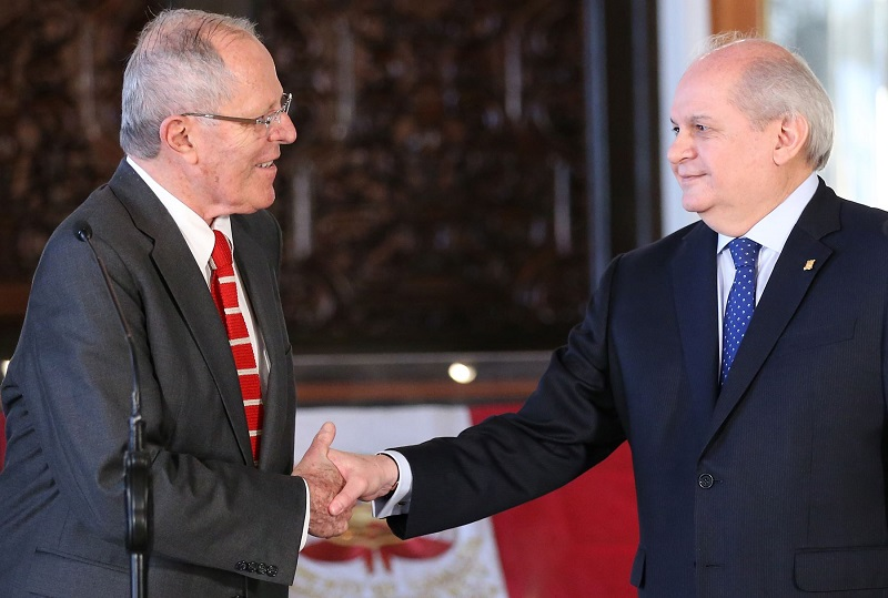 Kuczynski tomará juramento a su nuevo gabinete ministerial