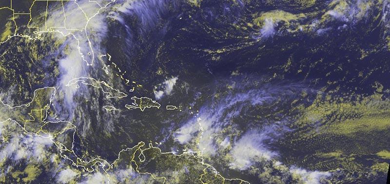 SHM10 MIAMI (FL, EE.UU.), 06/06/2016.- Gráfica cedida por la Administración Nacional de los Océanos y la Atmósfera (NOAA) del avance de la tormenta tropical Colin en la costa oeste de la Florida hoy, 6 de junio de 2016. El gobernador de Florida, Rick Scott, declaró hoy el estado de emergencia para 34 de los 67 condados de la Florida ante el avance de Colin, que mantiene vientos máximos sostenidos de 85 kilómetros por hora, que se espera que llegue esta tarde acompañada de fuertes lluvias. EFE/NOAA/SOLO USO EDITORIAL/NO VENTAS