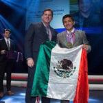 México: Estudiante con fertilizante a base de orina gana premio en Canadá