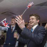 Reino Unido saldrá de la UE con el apoyo del 52% de los votos