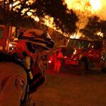 California: 20,000 personas evacuadas por fuego que arrasó 13,400 hectáreas