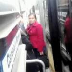 """Bus del Metropolitano """"peina"""" a pasajeros tras desperfecto al cerrar puertas [VÍDEO]"""