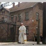 """Papa Francisco en Auchwitz: """"Señor perdón por tanta crueldad"""" (VIDEO)"""