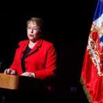 Bachelet llama a participar en debates para una nueva Constitución