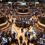 Wall Street cierra con resultados mixtos y nuevo récord en el Dow Jones