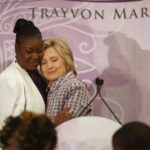 Madres de afroamericanos muertos por policías apoyan a Hillary Clinton