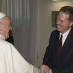 El Vaticano nombra como nuevo portavoz al estadounidense Greg Burke
