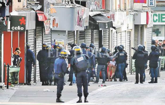 Francia Por Amenaza Terrorista Suspenden Eventos Masivos