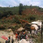 China: Diez muertos y doce enterrados en un alud de tierra