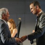 Vargas Llosa recibe de Felipe VI premio internacional de periodismo