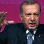 Turquía cierra un centenar de medios de comunicación