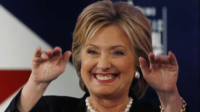 Hillary Clinton supera a Donald Trump en primeras encuestas tras convención