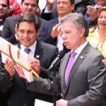 Colombia: Santos ordena cese del fuego con las FARC desde el 29 (VIDEO)
