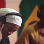 Ronaldinho deja el fútbol para ser cantante