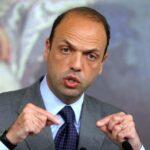 """Italia: Ministro de Interior se muestra contrario a prohibir el """"burkini"""""""