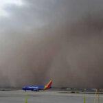 EEUU: Tormenta de arena y polvo cubrió Arizona con tormenta eléctrica (VIDEO)
