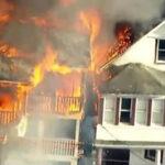 EEUU: Voraz incendio en Nueva York deja 20 bomberos heridos