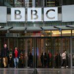 Parlamento británico pide a BBC que divulgue sueldo de sus estrellas