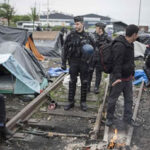 Francia: Evacuan a 900 migrantes de tres campamentos irregulares